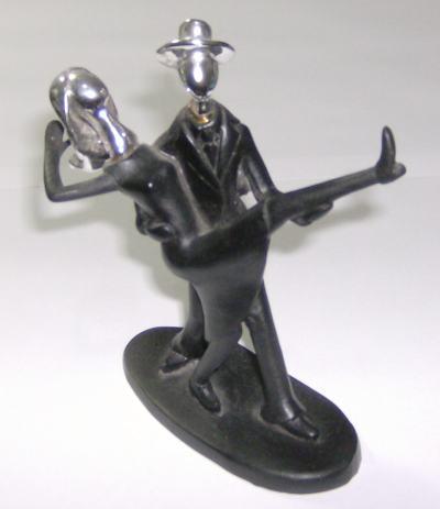 Casal de Dançarinos em resina e metal